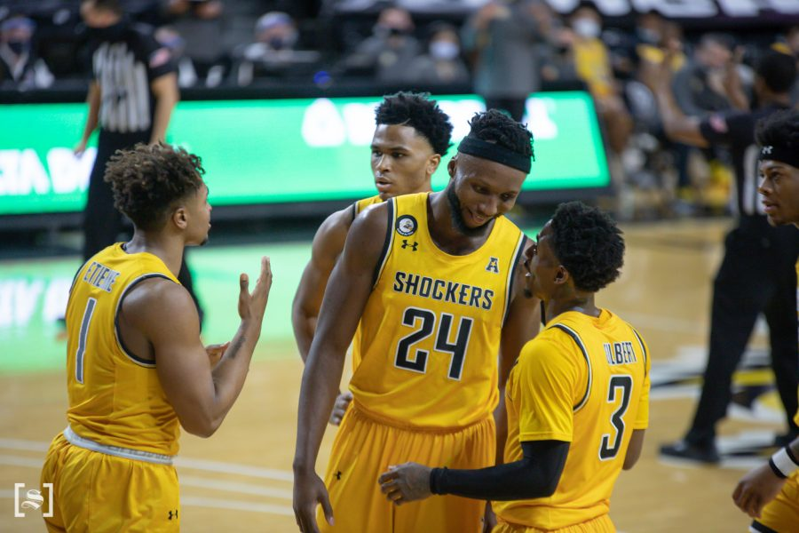 Wichita+State+players+huddle+up+during+the+game+against+UCF+at+Charles+Koch+Arena+on+Jan.+30.
