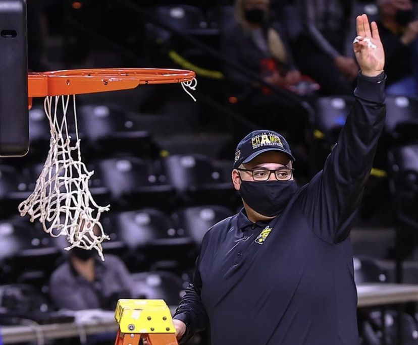 WSU+Men%E2%80%99s+Basketball+Head+Manager+plays+a+crucial+behind+the+scenes+role+to+the+Shockers%E2%80%99+success%C2%A0