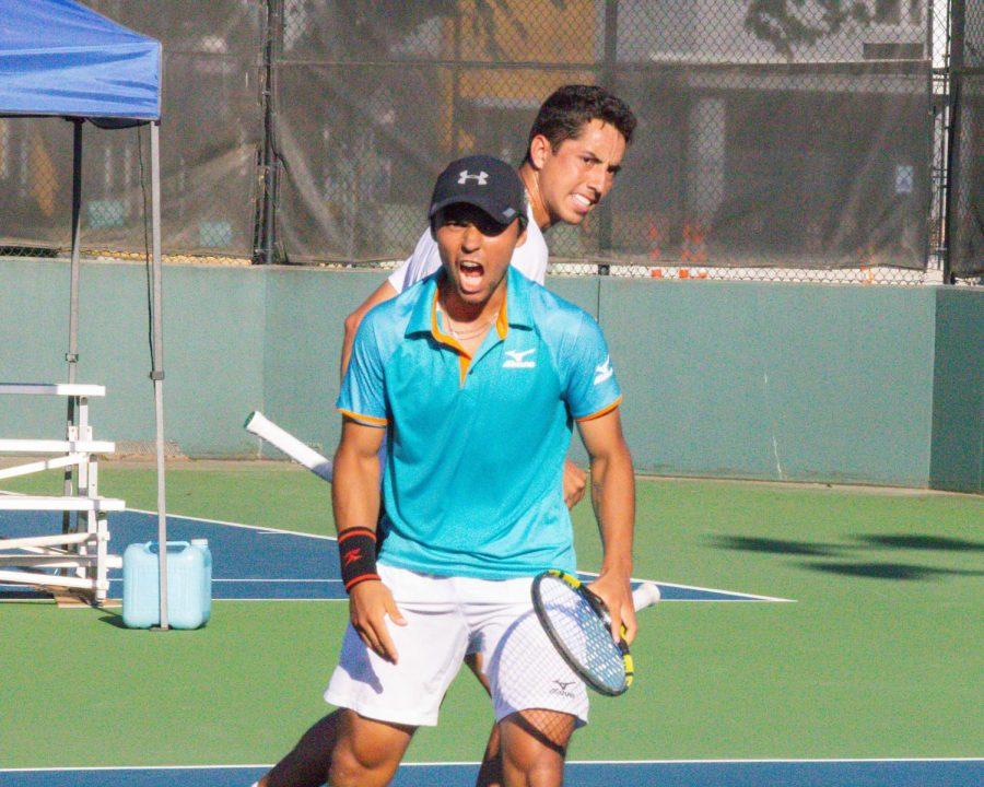 PHOTOS: Shocker duo wins Doubles Title