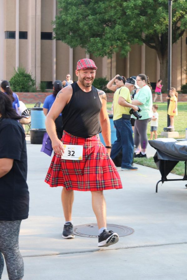 Suspenders4Hope hosted a run/walk event at the Wichita State Student Rhatigan Student Center. Each team had a team name and some participants even wore the same attire together on Sept 11.