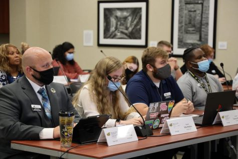 Student senators John Kirk, Ella Perkins, Tayton Majors and Omarian Brantley sit during a student senate meeting on Oct. 6, 2021.